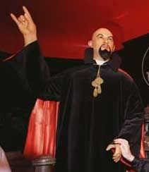 """Anton LaVey, Church of Satan, holding up the """"Devil's Horn"""" hand sign.  WHY ARE OUR CHRISTIAN BELOVED PASTERS AND TEACHERS ALSO FLASHING THIS DEVIL HORNS SIGN? HAVE THEY CAVED IN TO THE DARK SIDE? ARE THEY CONTROLED BY FREEMASONS AND ILLUMINATI?"""