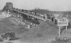Opening of the new toll bridge connecting New Harmony, Indiana, to Illinois; photo taken by Homer Fauntleroy in 1930 (Knecht 3171)
