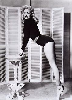 Jayne Mansfield posing en pointe for Playboy Magazine