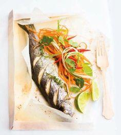 Pečený pstruh s čerstvým salátem (www.albert.cz/recepty) Fish And Seafood, Seafood Recipes, Turkey, Meet, Shellfish Recipes, Peru, Seafood Rice Recipe, Ocean Perch Recipes