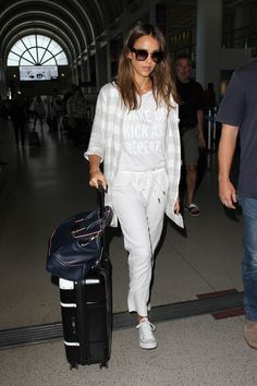 Times Jessica Alba's Outfit Was No Match For a Long Plane Ride . 43 Times Jessica Alba's Outfit Was No Match For a Long Plane Ride . Jessica Alba Outfit, Jessica Alba Style, Plane Outfit, Travel Outfit Summer, Travel Outfits, Summer Outfits, Jessica White, Stylish Jackets, Airport Style