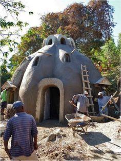 COMPROMISSO CONSCIENTE: Adobe - Superadobe - Casas Sustentáveis Lindas- Konbit Shelter
