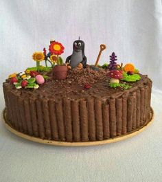 Little mole cake# Kisvakond# Fondant# Garden# Marzipan, 80 Birthday Cake, Birthday Parties, Taupe, Mole, Stampin Up, Party, Food And Drink, Pudding