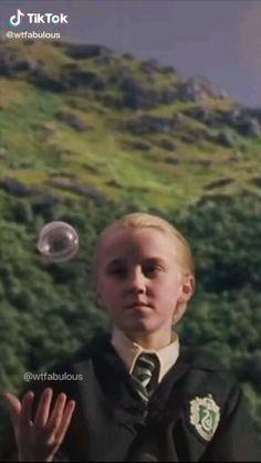 Harry Potter Gif, Mundo Harry Potter, Harry Potter Draco Malfoy, Harry Potter Pictures, Harry Potter Characters, Draco Malfoy Imagines, Draco Malfoy Aesthetic, Youtuber, Hogwarts