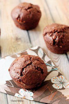 Des moelleux chocolat noisette (et amande) tout doux et bien réconfortants qui accompagneront à merveille une tasse de chocolat chaud au goûter des enfants ! Bien qu'ils contiennent très peu de matière grasse (2 CS d'huile), ces petits gâteaux sont très...