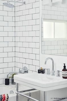 currently coveting sleek marble that creates clean lines.