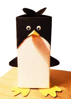 Penguin box for candy or a little gift. See the template and make it in different sizes.