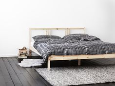 BJÖRNLOKA RUTA duvet - shown here on a FJELLSE bed for a look of clean lined simplicity.