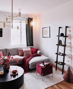 Cozy Red Living Room – Red may be one of the most interesting color of all time – women love to wear red lipstick just to make them look better and feel better during bad days; Burgundy Living Room, Living Room Red, Home Living, Interior Design Living Room, Living Room Designs, Interior Livingroom, Modern Living, Grey Living Room With Color, Burgundy Room