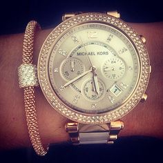 Ohhhh mmmmyyyy gggoooosssshhhh!!!! ❤️❤️❤️❤️❤️this is it! Love it! YASSSS!!!Michael Kors watch with crystal details somebody give Jake this hint bwahahaha
