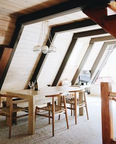 A-frame Dining room - By Ashley Bruhn