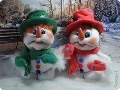 Поделка изделие Новый год Шитьё Снеговичок Капрон Картон Кружево Помпоны Ткань фото 6