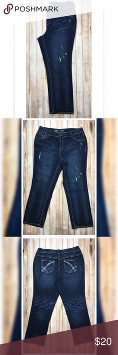 """Lane Bryant Simply Straight jeans Lane Bryant Simply Straight jeans, gorgeous and comfortable! Waist 20.5"""", length 31"""" the Button has been replaced. Lane Bryant Jeans"""