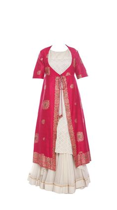f42f8ce1624 The stunning kurta has a pure zari work open front that adds some glamour  to the entire ensemble. This is the perfect outfit for ...
