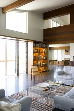 Image 11 of 22 from gallery of Tavernier Drive Residence / Luis Pons Design Lab. Photograph by Stephan Goettlicher Pop Design, Design Blog, Sketch Design, Design Concepts, Graphic Design, Interior Desing, Interior Architecture, Living Room Designs, Living Spaces