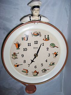 RARE Vintage United Chef Kitchen Clock Animated Pan Pendulum