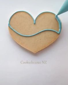 "Beautiful Cookie Art 🍪🖌  Write ""OCEAN"" in another language!  Credit: @cookielicious_nz Via Instagram: ( #📷 @artistpix ) Fashion Fail, Fashion Outfits, Photoshop Fail, Bright Stars, Yummy Treats, Fails, 31 March, Diy Projects, Pure Joy"