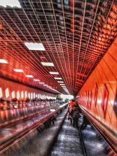 metro / istanbul / turkey / photo by koto serdar bulgu