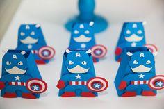 A festa Os Vingadores ficou um charme! Confira essa preciosa dica de decoração para os nossos meninos!