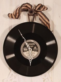 An old LP and a clock kit from Hobby Lobby perhaps?  Looks like a great gift idea for the music lover or nostalgic-aholic.