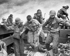 Incredible Photos Of The Fiercest Battle Of WWII: Iwo Jima - Page 6 of 27
