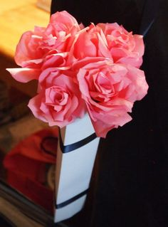 Beautiful flowers made from coffee filters. Here's a tutorial!