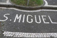 Roc2c: 9 Ilhas dos Açores em calçada portuguesa