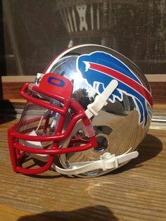 Go Bills Cool Football Helmets, Football Helmet Design, Sports Helmet, Football Uniforms, Buffalo Bills Football, Football Boys, Football Stuff, Nfl Bills, Texas Longhorns Football