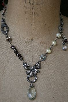 ❥ Victoriana green amethyst and garnet necklace with pewter