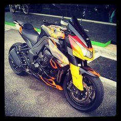 Kawasaki Z1000 customizada lindona! #z1000 #superbike