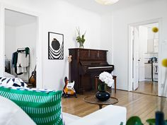 my scandinavian home: A lovely 'lived in' apartment