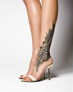 A few skin tattoo artists do not do foot tattoo designs. This is because there may be a number of problems with the platform of foot tattoo designs. Sexy Tattoos, Best Leg Tattoos, Latest Tattoos, Trendy Tattoos, Unique Tattoos, Beautiful Tattoos, Body Art Tattoos, Girl Tattoos, Thigh Tattoos
