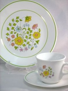 """Corelle """"Meadow"""" - bought these at the Fort Benning PX, my first dishes. Corelle Ware, Corelle Dishes, Vintage Dishes, Vintage Toys, Corelle Patterns, Fort Benning, Everyday Dishes, Butterfly Gold, Vintage Dinnerware"""