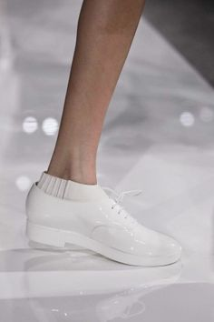 Ports 1961 Ready To Wear Spring Summer 2013 Milan Mod Fashion, White Fashion, Milan Fashion, Fashion Shoes, Ugly Shoes, Sock Shoes, Shoe Boots, Minimal Chic, Minimal Fashion