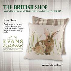 Zwei Hasen zieren unser Lieblingskissen vom Familienunternehmen Evans Lichfield aus Staffordshire!