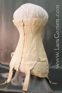"""1908 - 1913 Corset  Inventory # 0031    WT brand """"Reduce O"""" corset style #102 with a tiny 18"""" waist"""