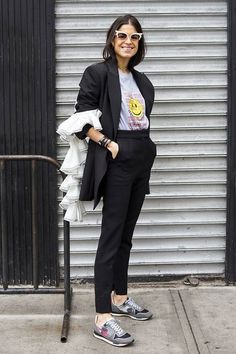 Leandra medine style trousers man suits and sneakers, sneakers Leandra Medine, Mode Outfits, Office Outfits, Fashion Outfits, Fashion Trends, Fashion Weeks, London Fashion, Fashion Bloggers, Sneakers Street Style