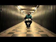 Beautiful.  My wish list instrument. Daniel Waples - hang drum solo - HD