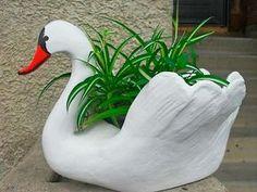 Бабушка научила меня делать садовых лебедей. Вы никогда не угадаете из чего! | redsunset.ru | Полезные новости каждый день
