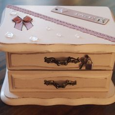 Coffre à bijoux en bois avec son tiroir
