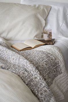 7 Tips for Creating a Peaceful Bedroom Setting Peaceful Bedroom, Home Bedroom, Bedrooms, Cozy Aesthetic, Studio Mcgee, Pop Up Shops, Color Stories, Hand Quilting, Beautiful Space