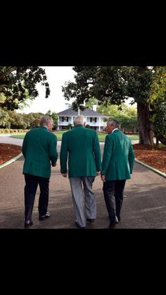 Jack Nicklaus, Arnold Palmer and Gary Player. The Big Three Back At Magnolia Lane. -Golf World Masters Golf, 2015 Masters, Golf Card Game, Golf Tips Driving, Masters Tournament, Used Golf Clubs, Golf Putting Tips, Chipping Tips, Jack Nicklaus