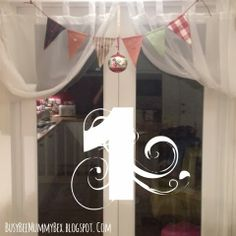 BusyBee: Advent window number 1: Home made bunting #CraftyChristmas