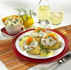 Unser beliebtes Rezept für Ofenkartoffeln mit Lachs und Crème fraîche und mehr als 55.000 weitere kostenlose Rezepte auf LECKER.de.