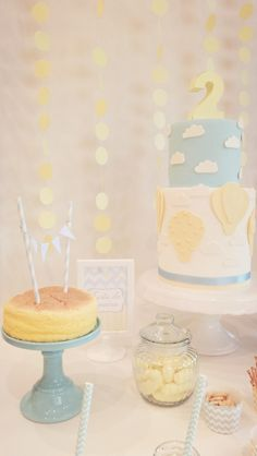 Hot Air Balloon Birthday Party Decor Ideas - we love the pastel colors! #partydecor #kidsparty