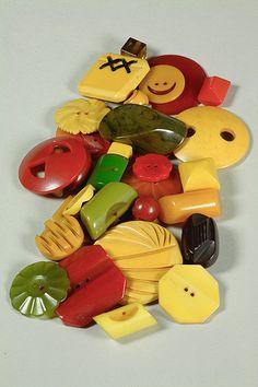 Assorted Bakelite Buttons