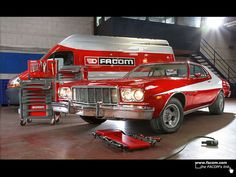 Ford Gran Torino and Facom.   Starky and Hutch beast car  Photo from Facom Tools     http://choxeviet.com/Cho-oto.aspx  http://choxeviet.com/ford/-i22/escape-j67.aspx