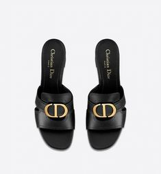 30 Montaigne mule in calfskin - Shoes - Women's Fashion Pretty Shoes, Beautiful Shoes, Madrid, Dior Sandals, Look Street Style, Best Shopping Sites, Vintage Mode, Online Fashion Stores, Best Brand