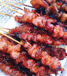 Ingredients: Loading… 1 kg. pork 20 bamboo skewers (kawayan) 1 cup soy sauce 1 glove garlic, minced 1 onion, finely chopped cup of ca. Barbecue Recipes, Pork Recipes, Asian Recipes, Cooking Recipes, Ethnic Recipes, Kebab Recipes, Grilling Recipes, Filipino Pork Bbq, Filipino Food