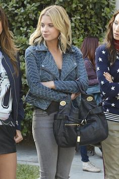 Even a simple jeans and tee look is anything but boring on Hanna. The subtle chevron design on her blue motorcycle jacket puts a cool twist on casual basics.